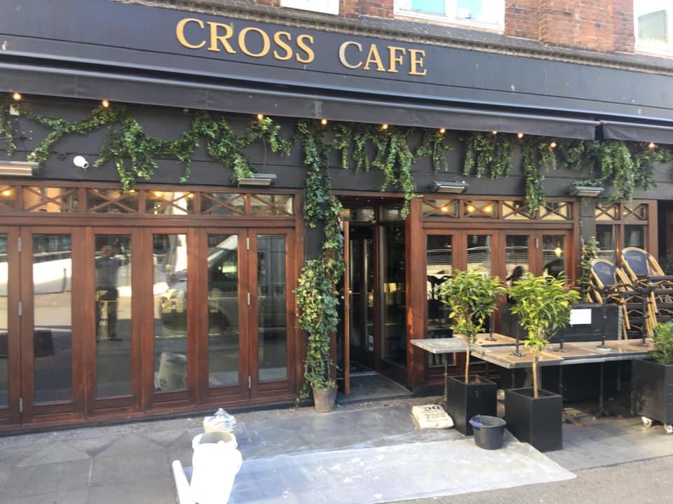 Cross Cafe 01